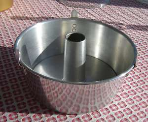 ALUMINUM 2 PC. ANGEL FOOD CAKE PAN 10 X 4